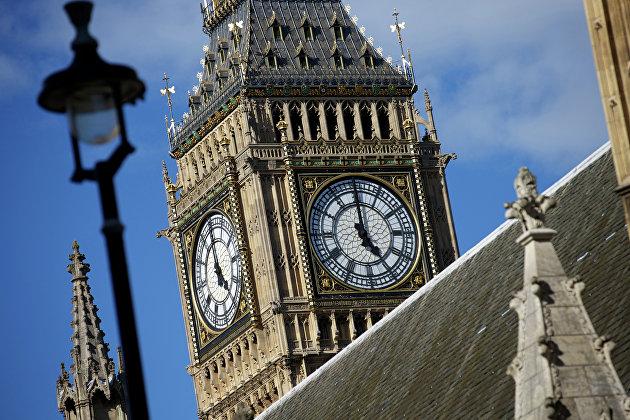""""""" Крыша Вестминстерского дворца в Лондоне, где заседает парламент Великобритании"""