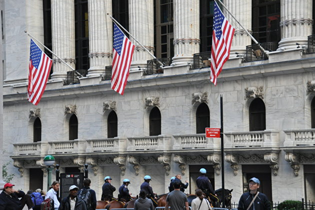 """"""" Конный конвой у Нью-Йоркской фондовой биржи"""