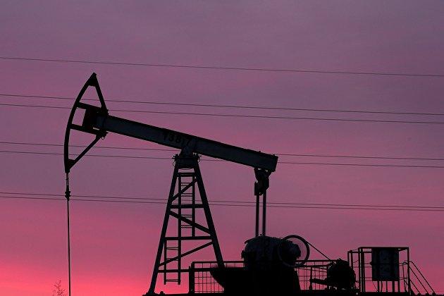 Работа нефтяных станков - качалок